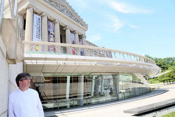 Saul Bolton in front of the Brooklyn Museum.