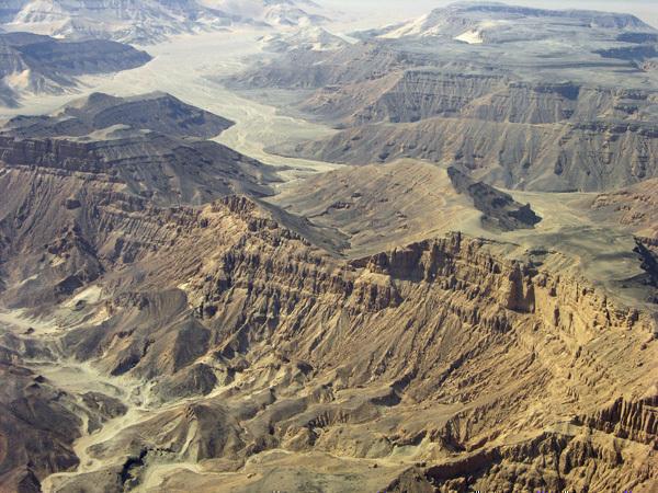 1__Desert_cliffs.jpg