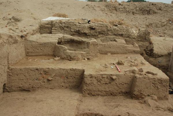 Mud brick structures, W2N